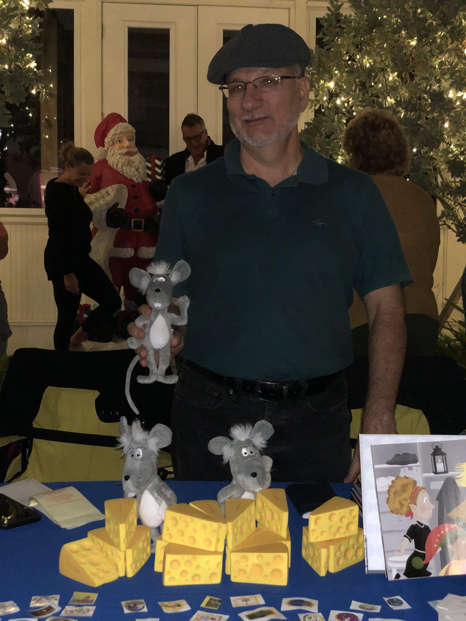 42nd Christmas on Third Richard Ballo Martin the Mouse 004