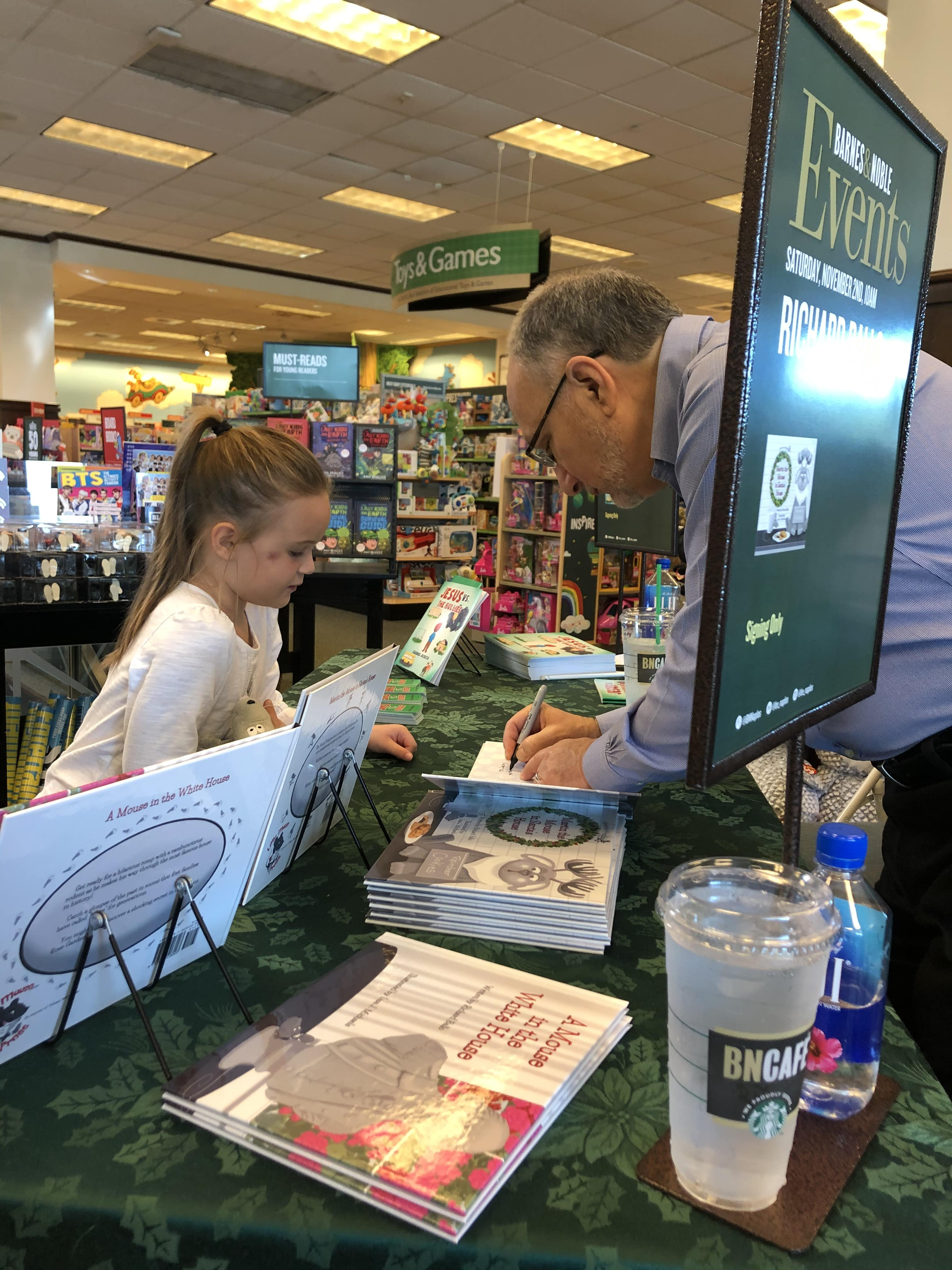 Richard Ballo Barnes and Noble November 2019 Event 005